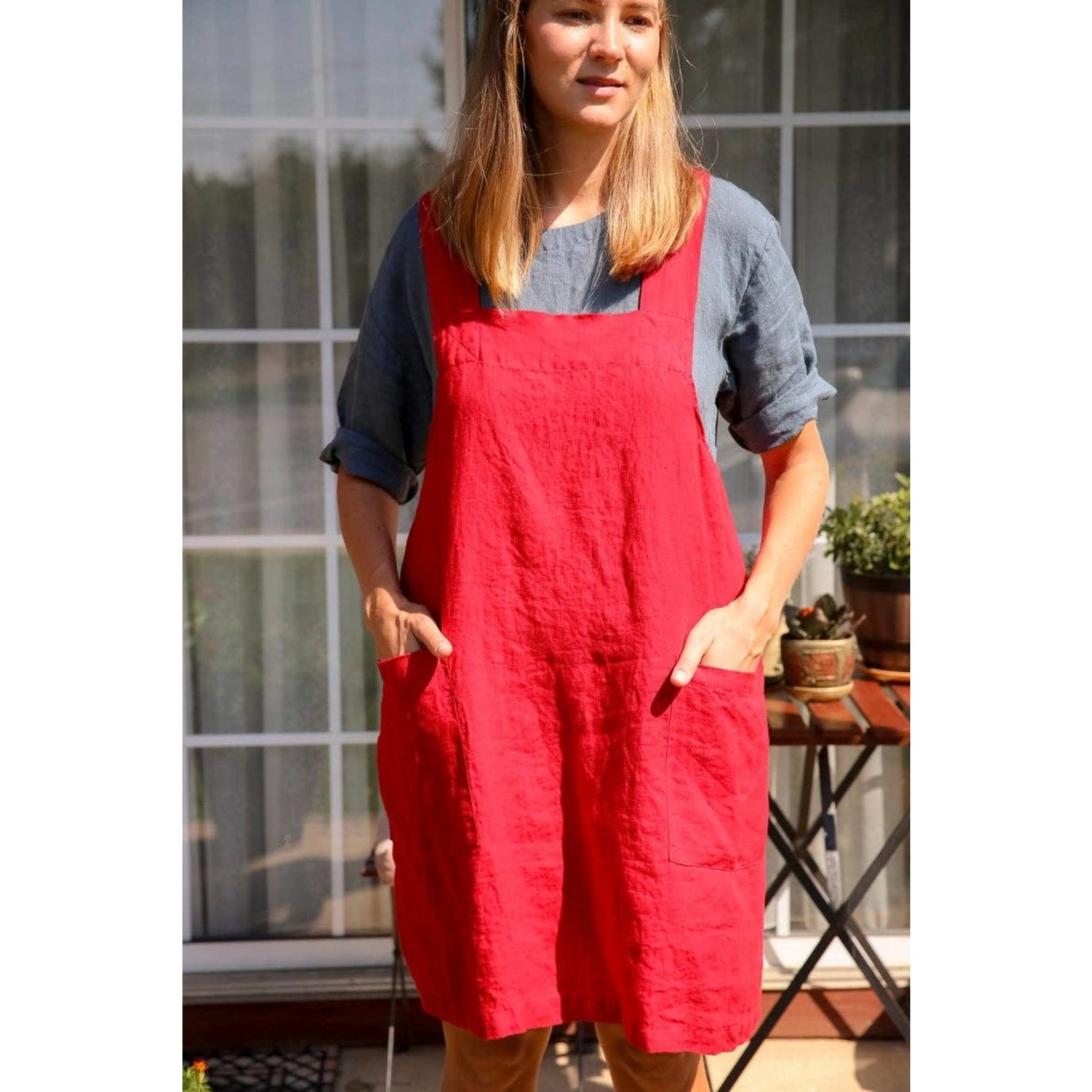 Vikolino Linen Pinafore (Japanese Apron) in Red