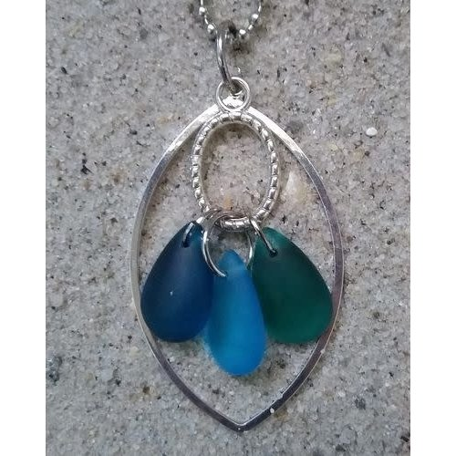 BEACH JEWELRY DESIGNS FLOATING GLASS CHARM NECKLACE, BLUES