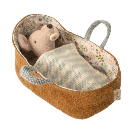 Maileg - Baby mouse in carrycot