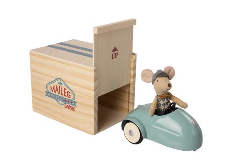 Maileg - Souris avec voiture bleue et garage