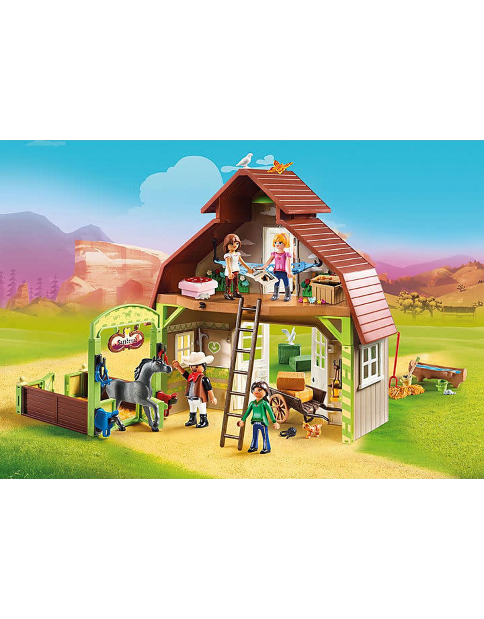 PLAYMOBIL U.S.A. Barn with Lucky, Pru & Abigail