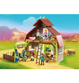 PLAYMOBIL U.S.A. Barn with Lucky, Pru & Abigail