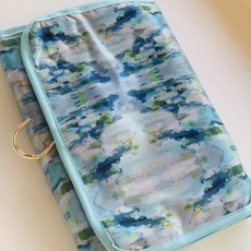 Katherine Beck Wintergreen Hanging Travel Case
