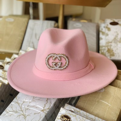 Pink hat wth gold and pearl GUCCI