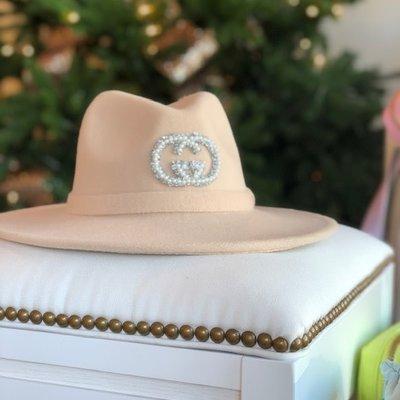 Cream Gucci hat silver and pearl bead no trim