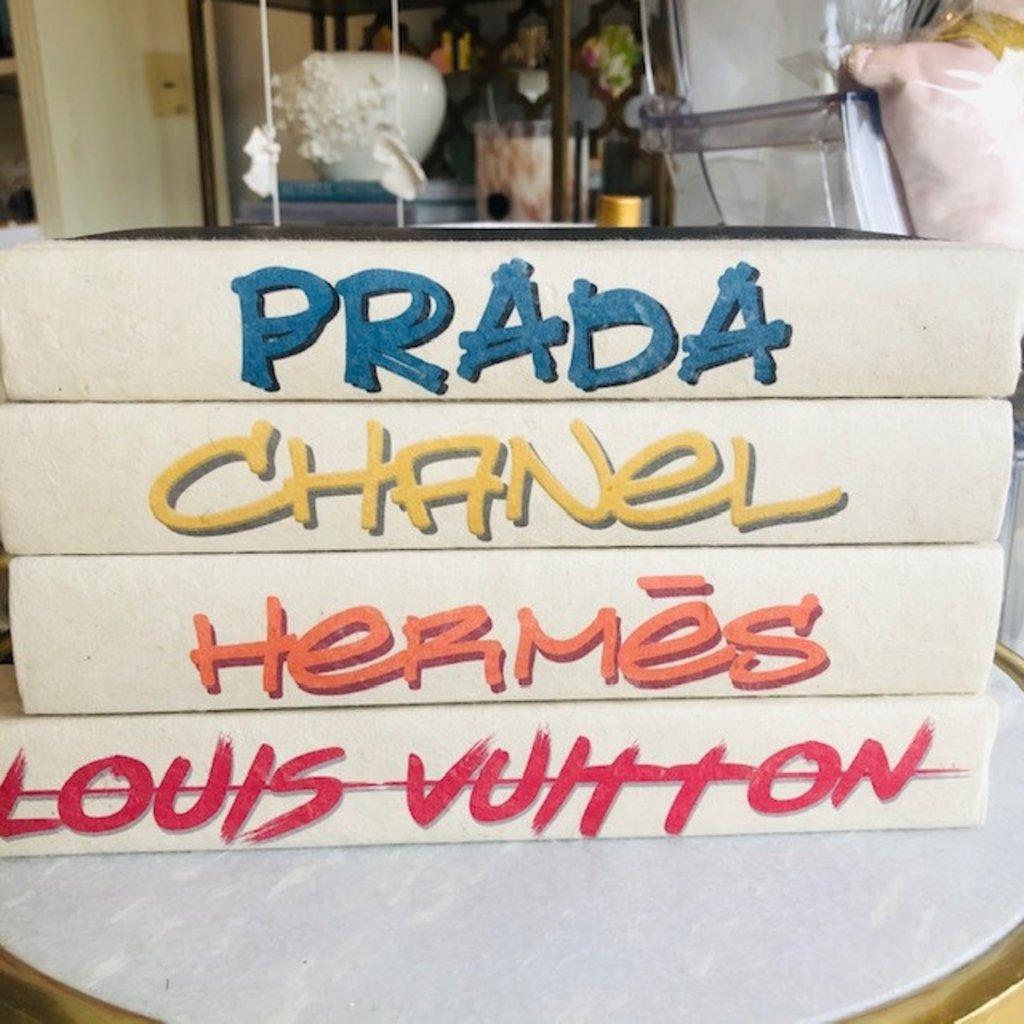 Street-script-LV Louis Vuitton