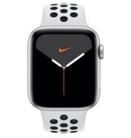 Apple Watch Series 5 GPS + Cellular 44mm Silver