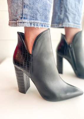 Textured Back Pointed Toe Bootie