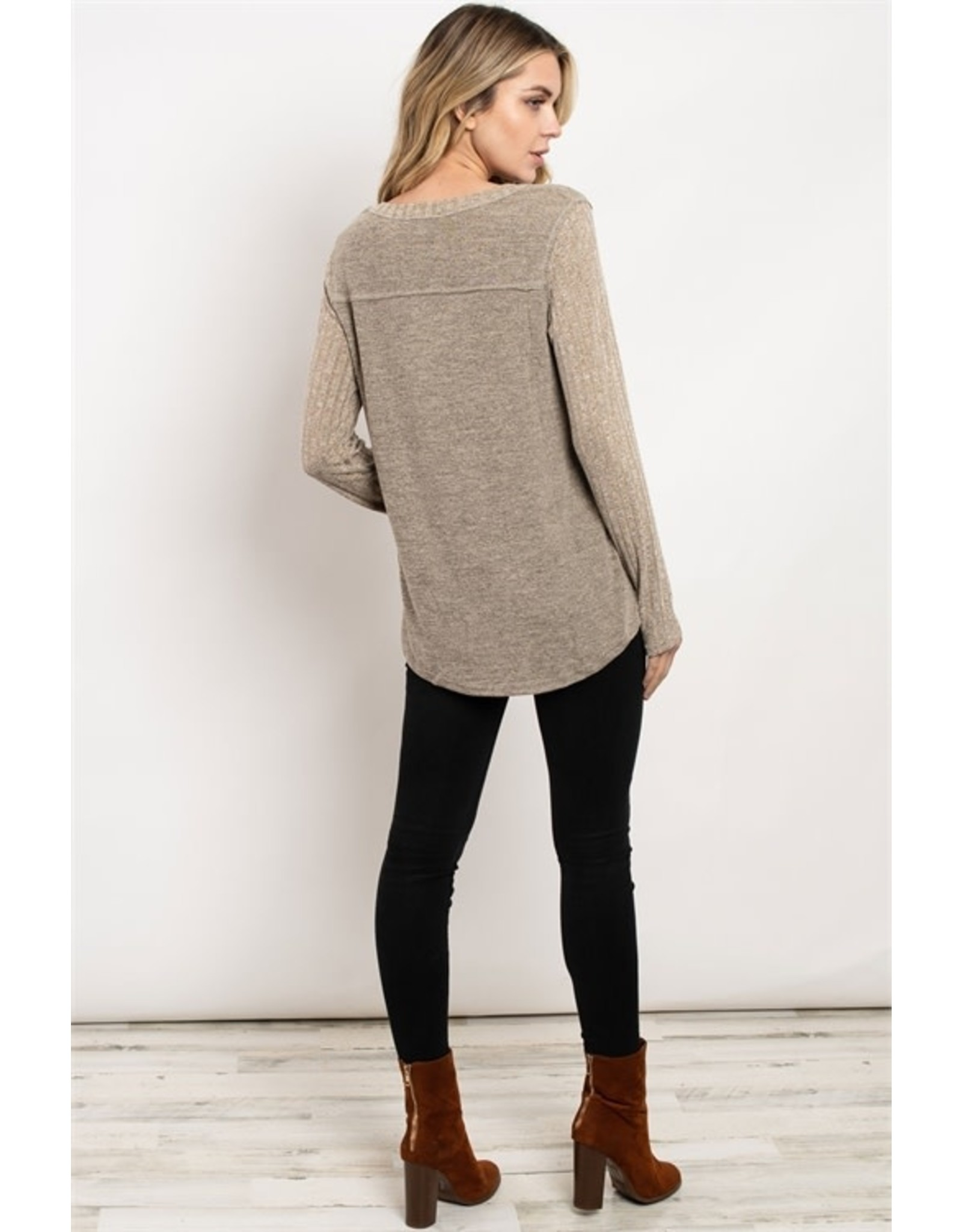 Ribbed sleeve scoop neck two-tone tunic top