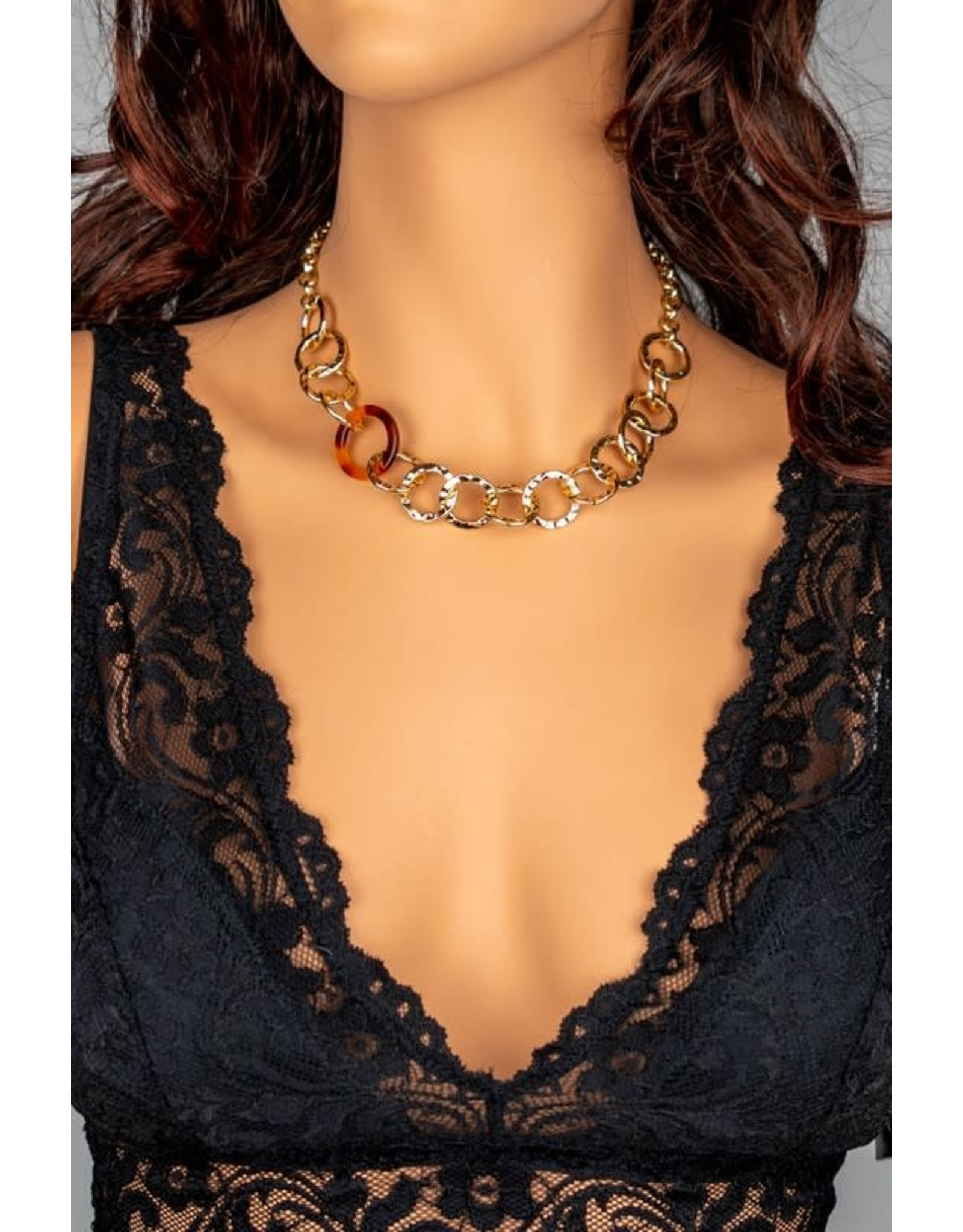 "Size: 16"" + 3"" Extension Chunky Hammered Link Chain Necklace With Tortoise Hoop Stationed - Color: Gold"