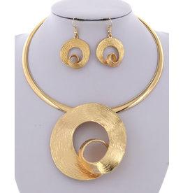 Hammered Metal Pendant Necklace & Earring Set