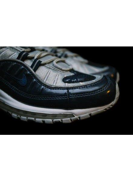 Nike Vault 813