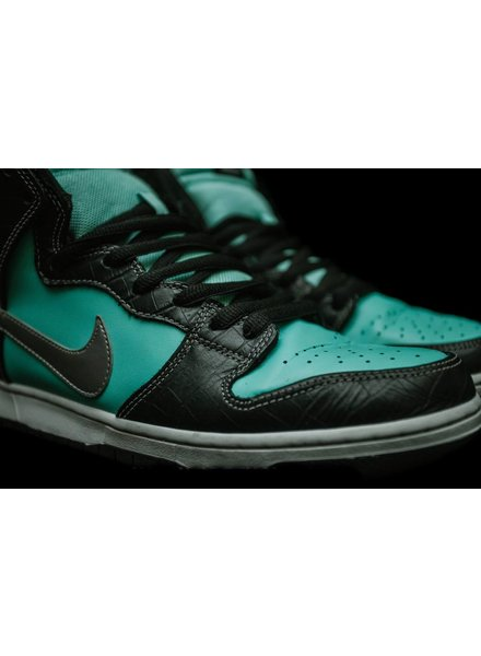 wholesale dealer 7840d 3d334 Nike SB Dunk High