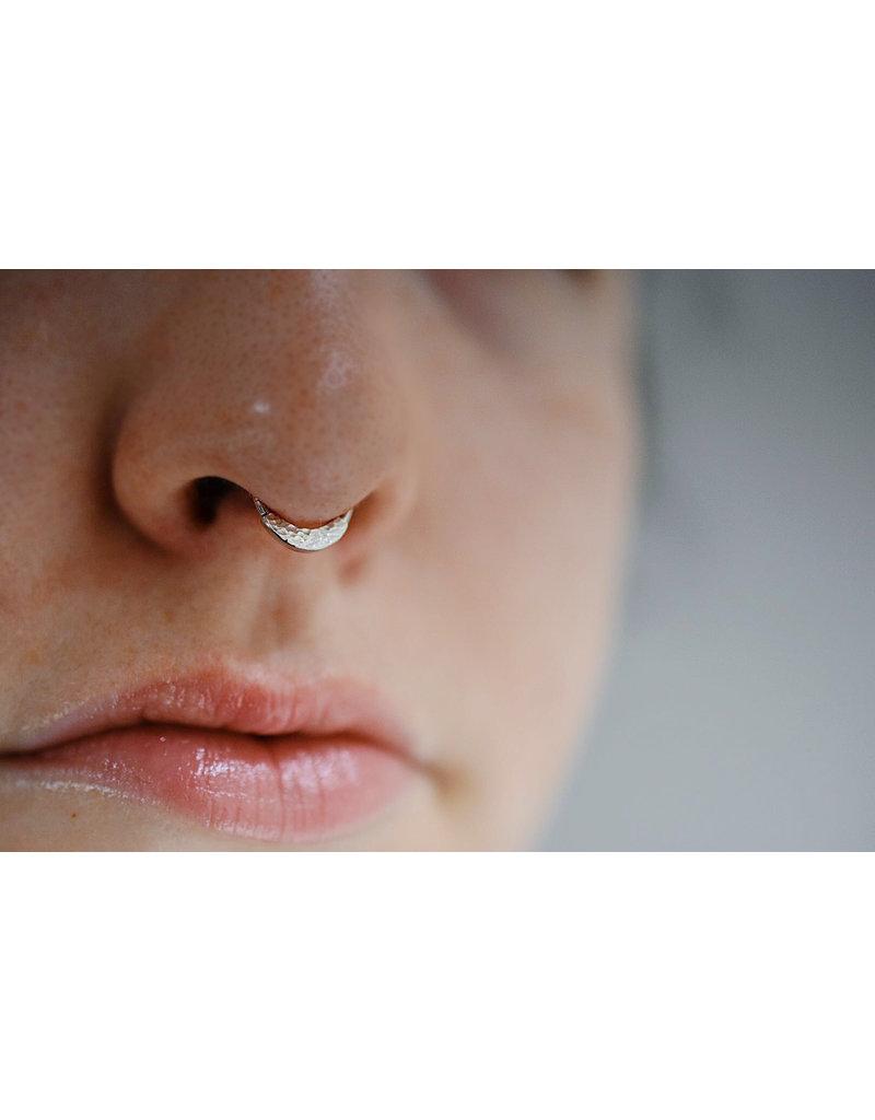 16g Hammered Janna Seam Ring 14k White Gold Mint Piercing
