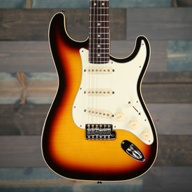 Fender  FlameAerodyne Classic Stratocaster Maple Top, Rosewood Fingerboard, 3-Color Sunburst w/GigBag