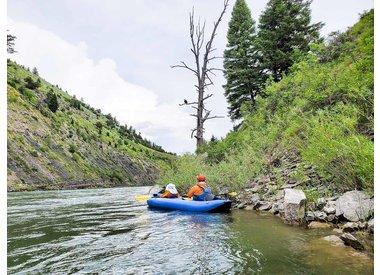 Voyage en kayak gonflable panoramique personnalisé