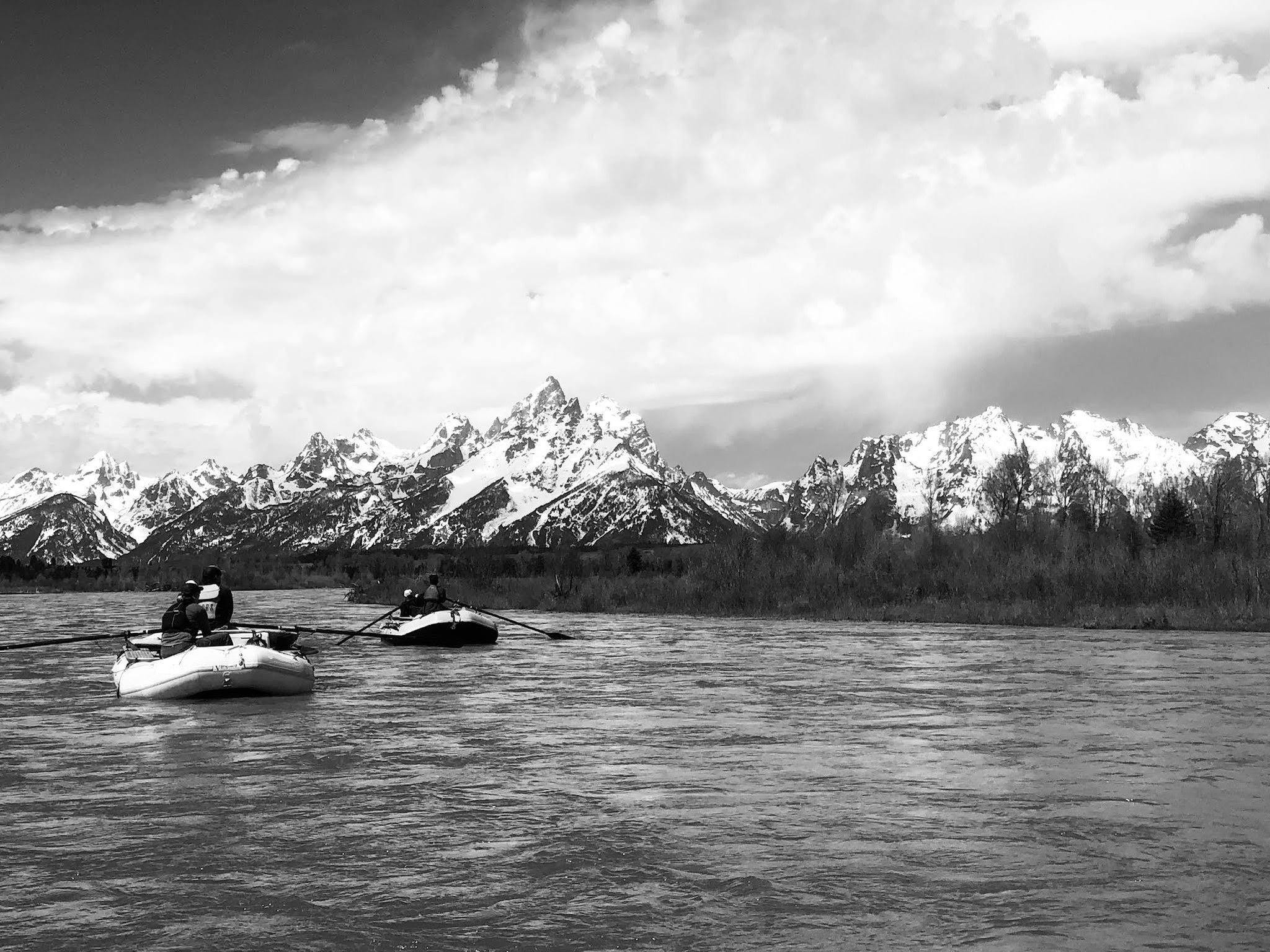 Scenic rafting on the tetons