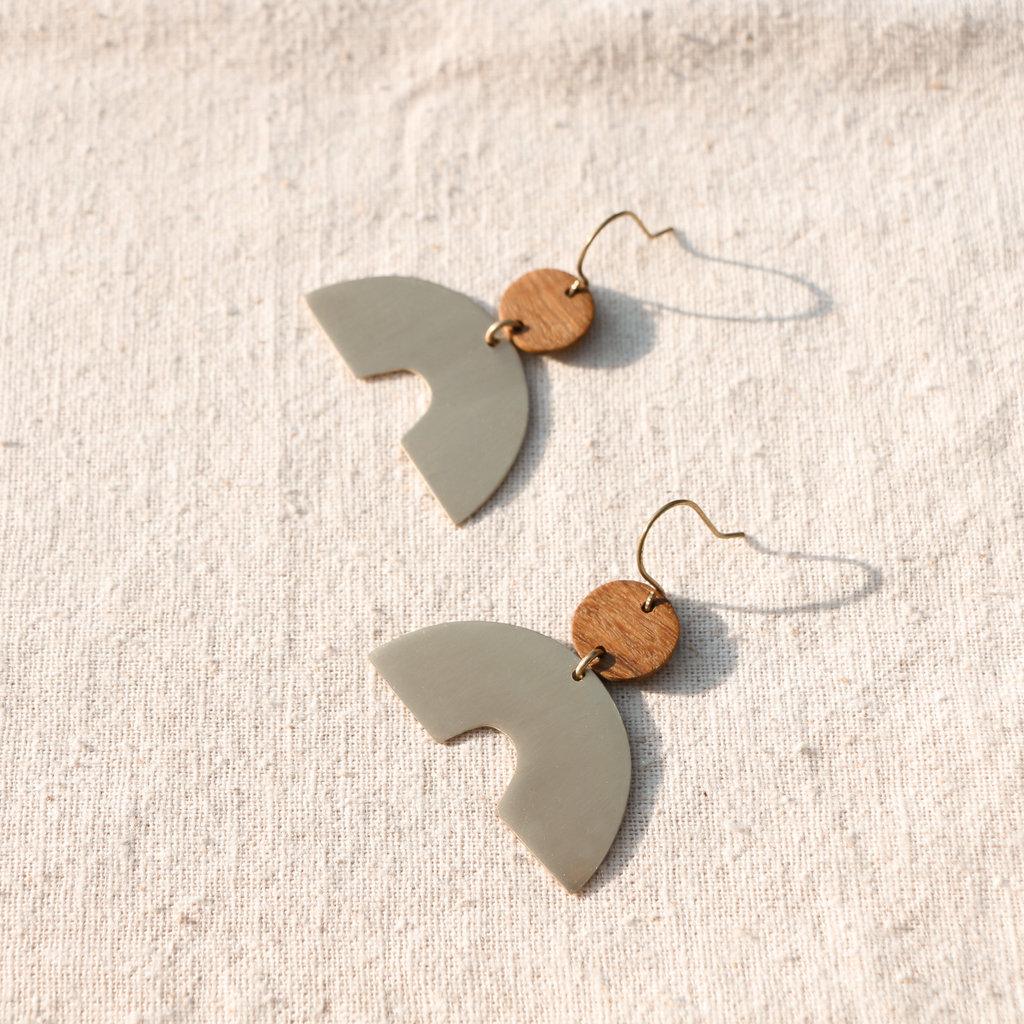 YEWO Khuni Brass Earring
