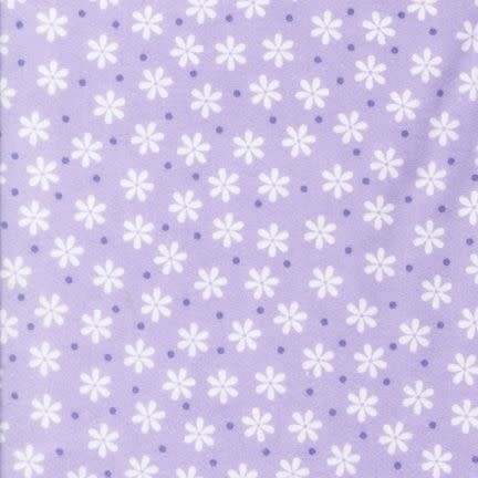 ROBERT KAUFMAN Cozy Cotton white flowers on lavender(Lavender /White) Per CM or $16/m