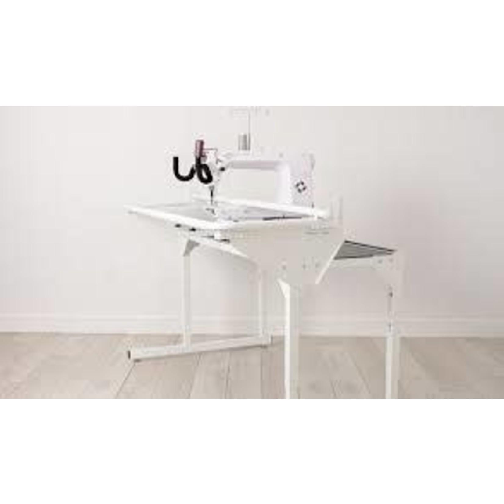 Husqvarna Viking PLATINUM™ Q165 Stand Up Quilter & 5' frame