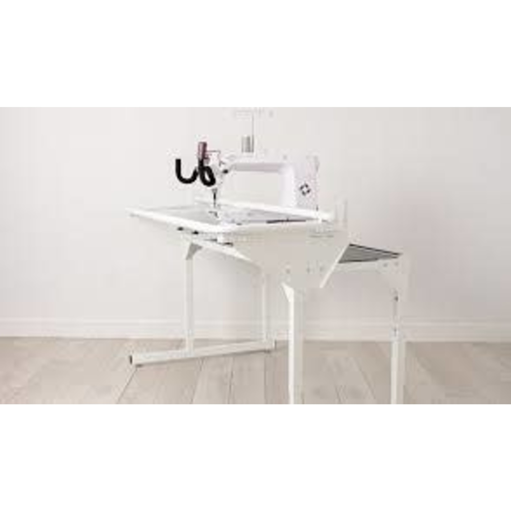 HUSQVARNA VIKING PLATINUM™ Q165 Stand Up Quilter