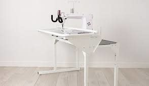 HUSQVARNA VIKING PLATINUM™ Q165 Stand Up Quilter