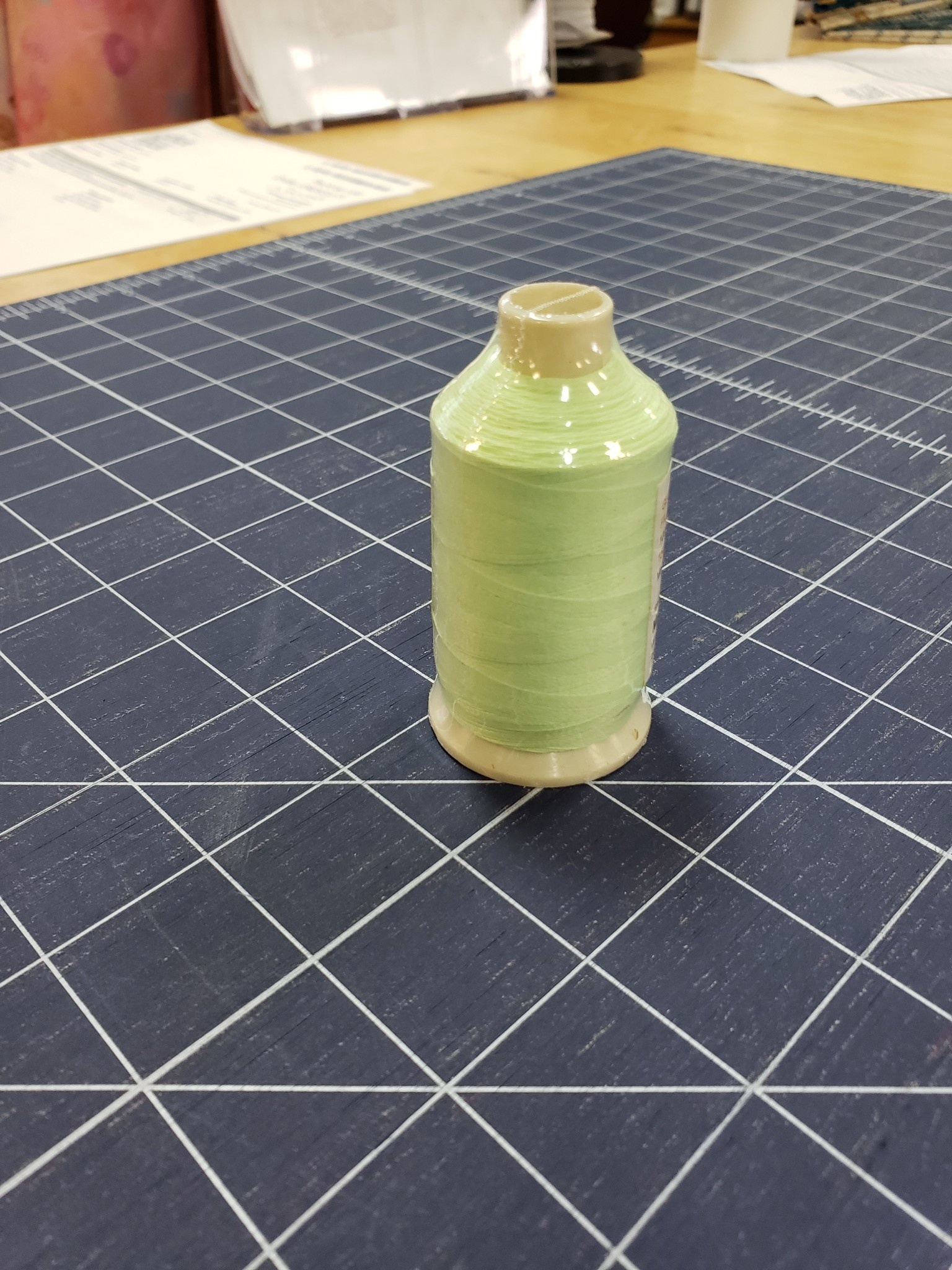 Glow in the Dark Thread 1000m Baby Green L15