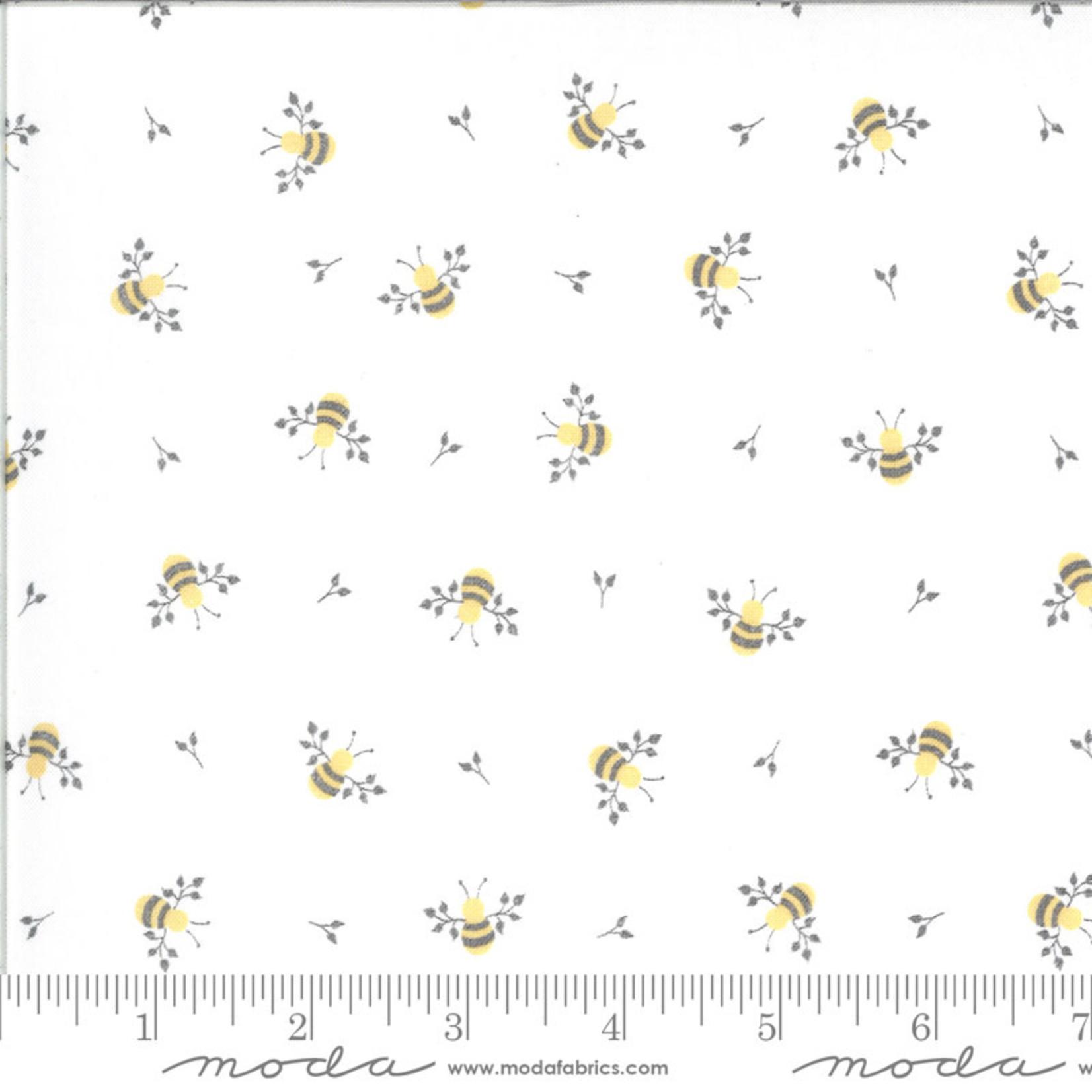 Corey Yoder Spring Brook, Bees, Cloud $0.20 per cm or $20/m