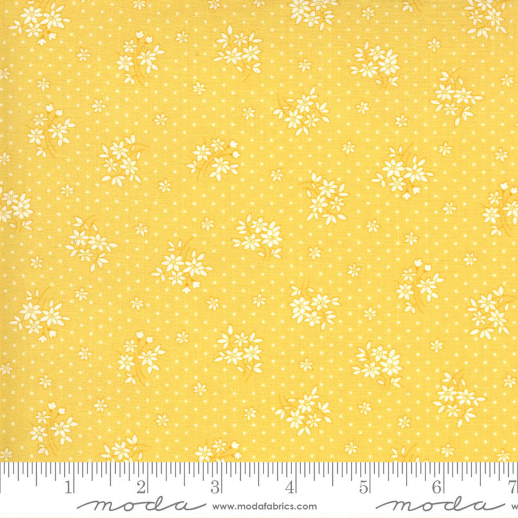 Chloe's Closet 30s Playtime, Bouquet Toss Floral, Buttercup 33595-14 $0.20 per cm or $20/m