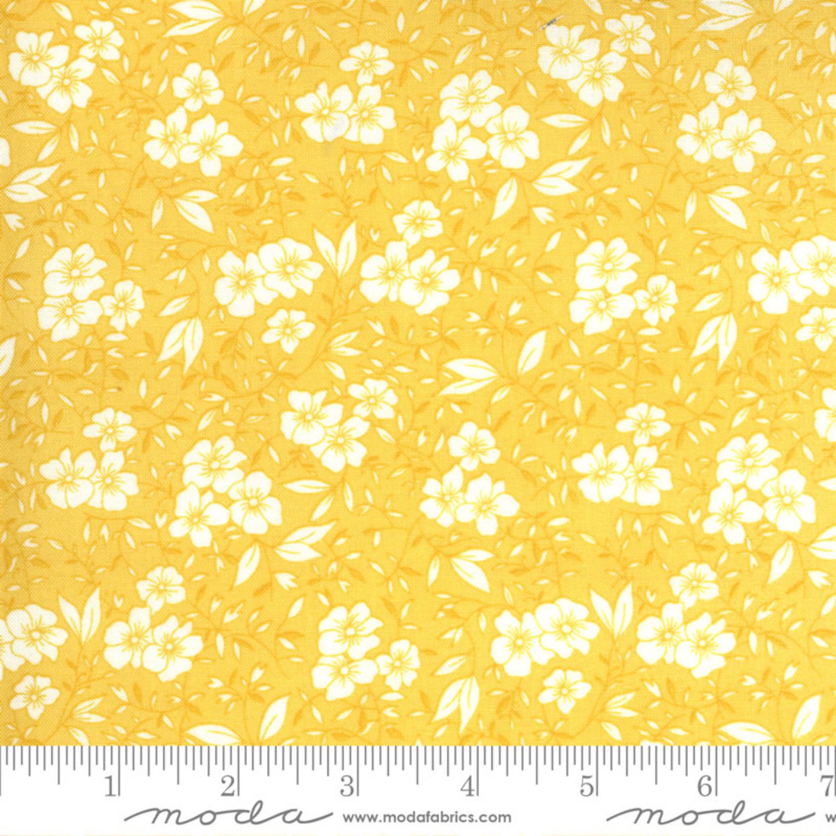 Chloe's Closet 30s Playtime, Friendly Blooms Flora, Buttercup 33592-24 $0.20 per cm or $20/m