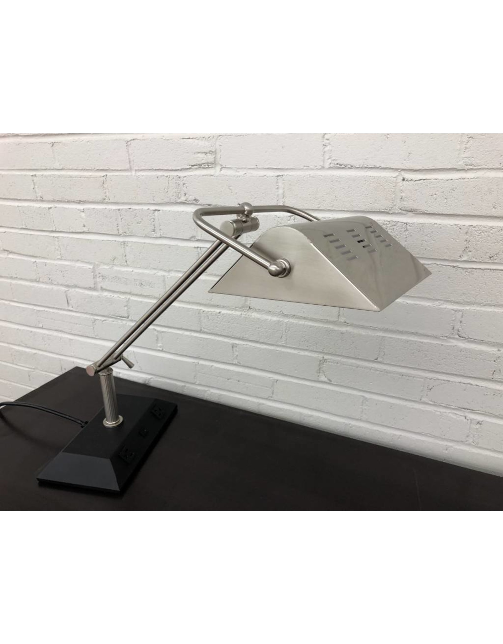 Hilton Garden Inn - Albuquerque HI Lamp Chrome