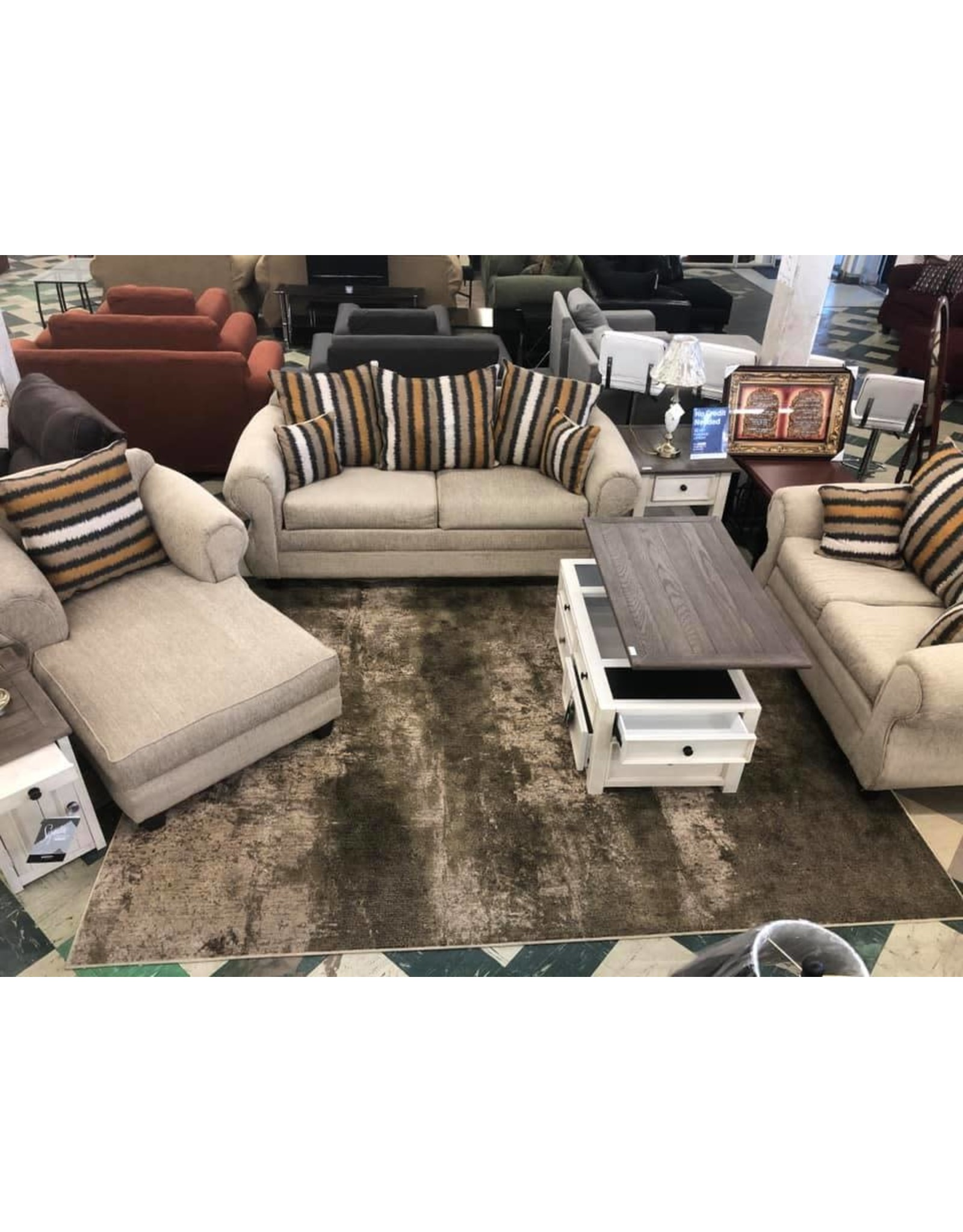 7100 Sofa Loveseat Chaise