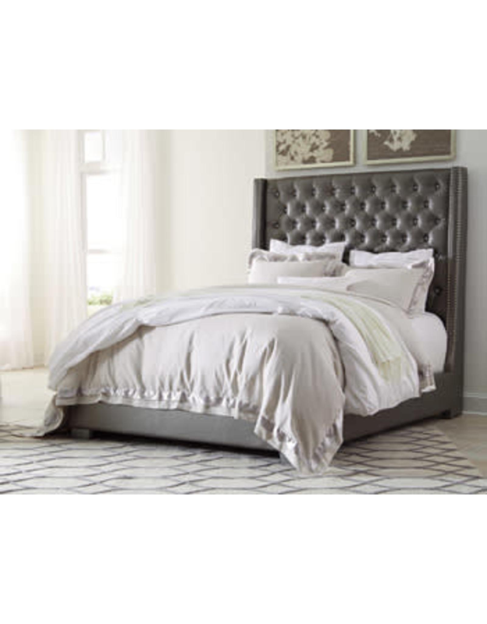 B560 Queen Bed-Dresser-Mirror
