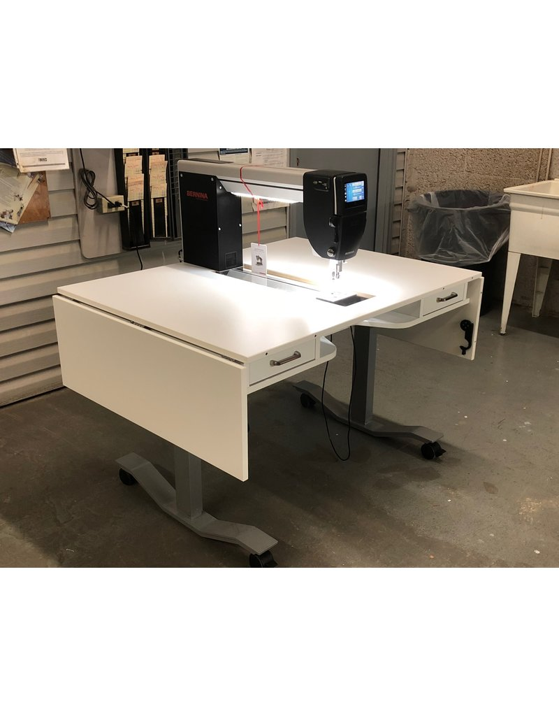 Bernina Bernina Q20 with electric Horn lift table