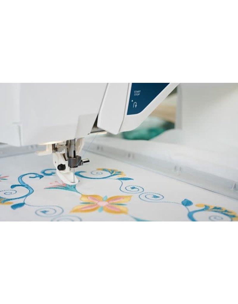 Husqvarna Husqvarna sewing and embroidery Designer Sapphire 85