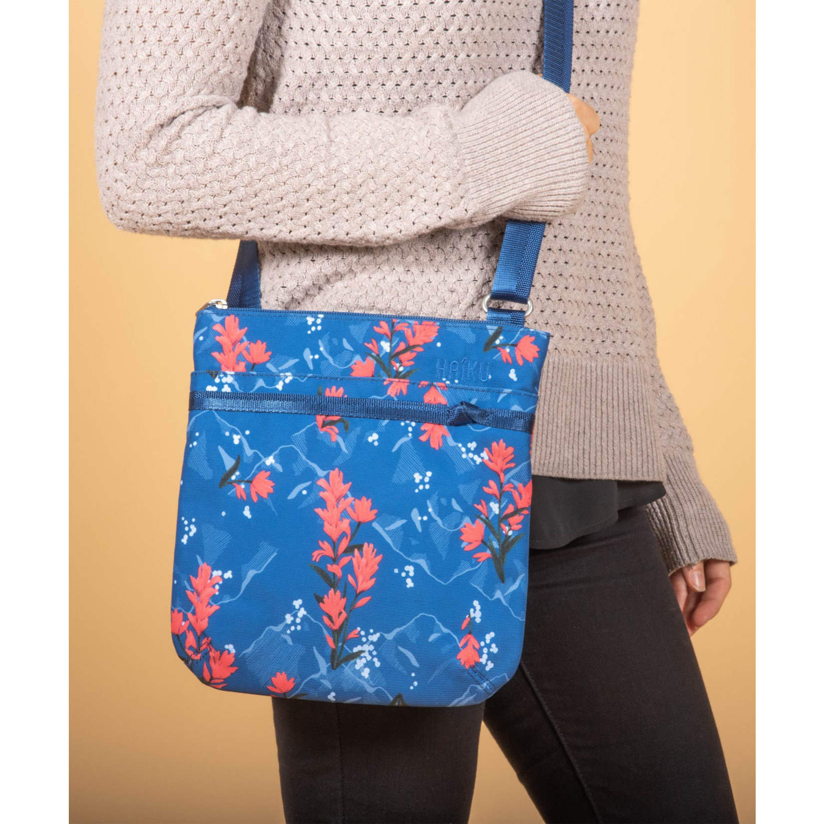 Haiku Revel Crossbody - Paintbrush Print