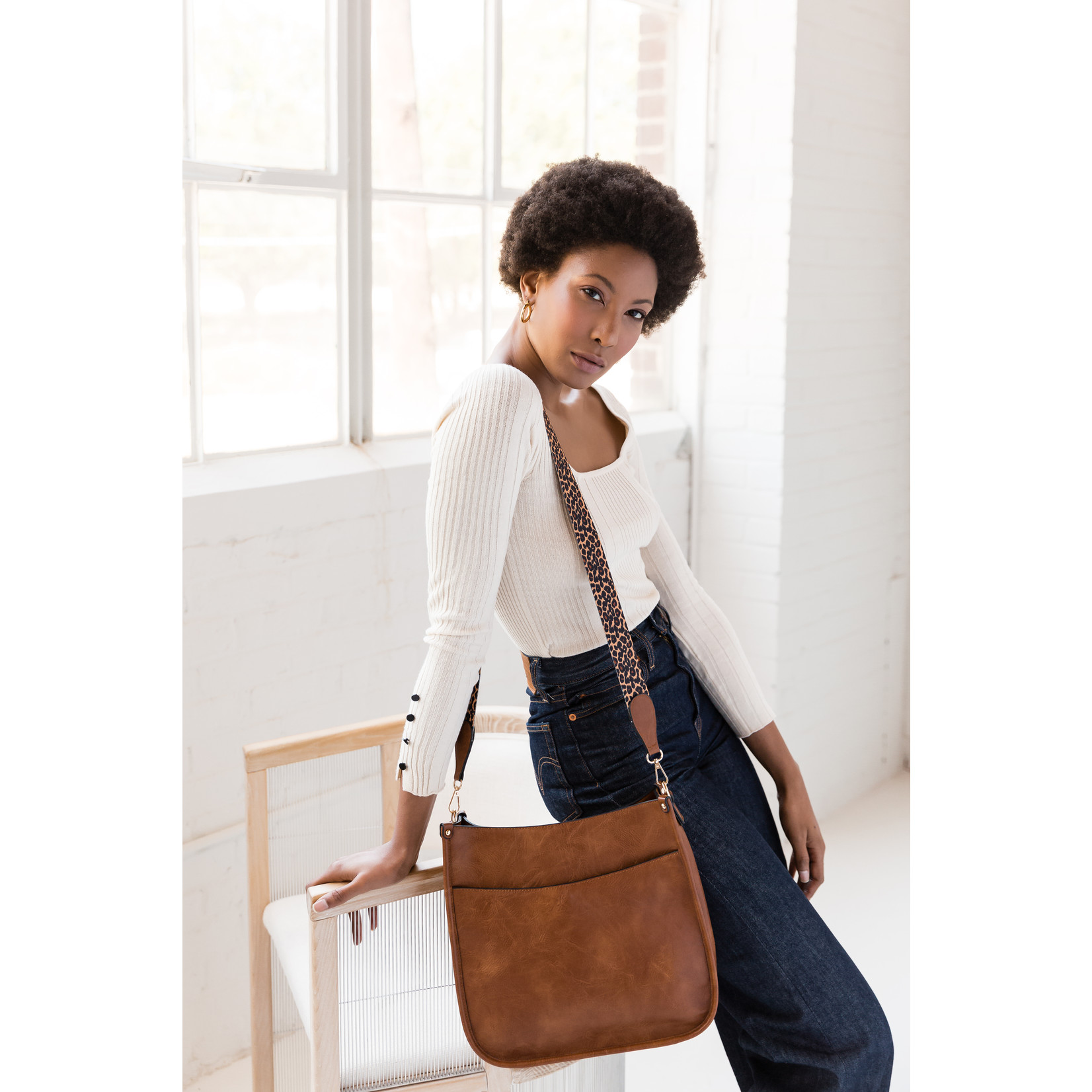 Jen & Co M1977-BR:  Chloe Crossbody - Brown