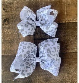 Wee Ones- Wht/Grey Leopard Print Bow