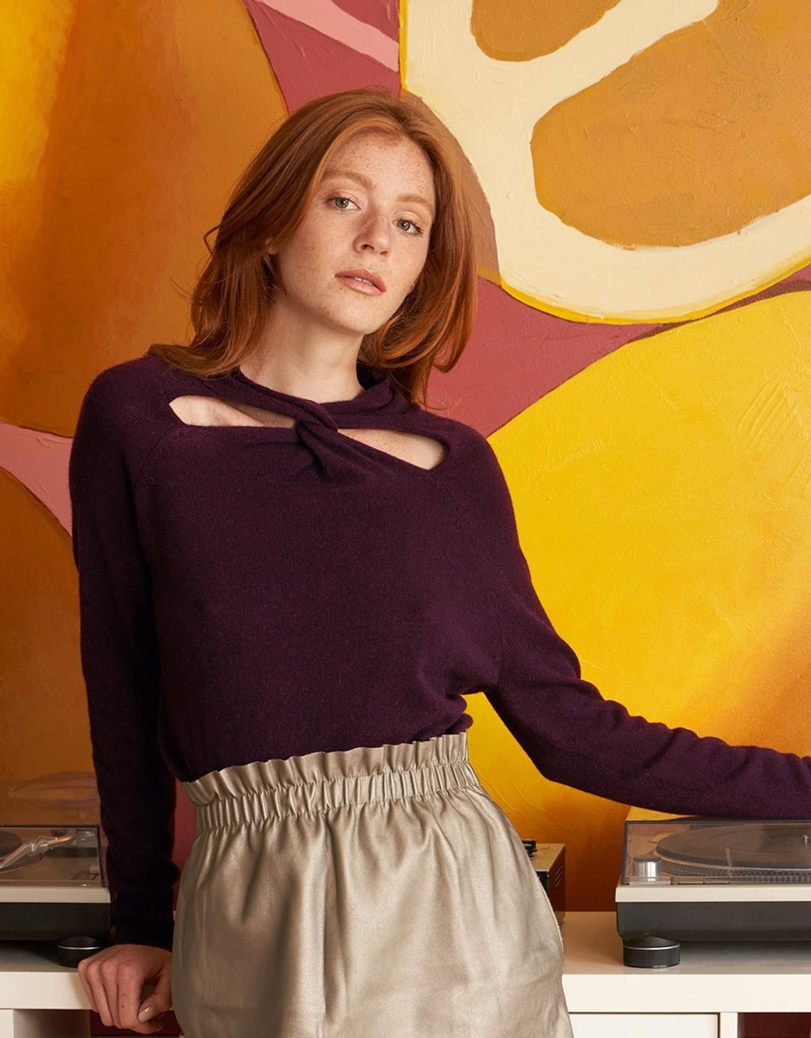 Autumn Cashmere L/S Cutout Twist Neck R12201