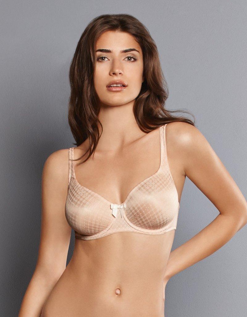 Rosa Faia Caroline