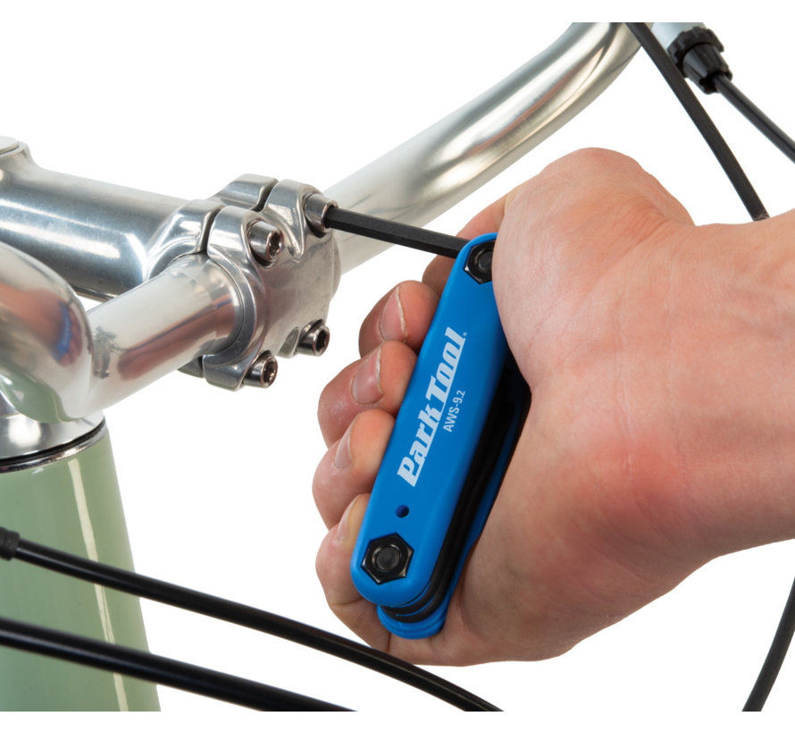 AWS-9.2 - Jeu de 3 clés et 2 tournevis pour vélo