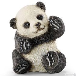 Panda Cub, Playing