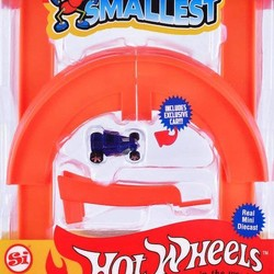 Hot Wheels Mini World Curve & Jump Set, includes 1 car
