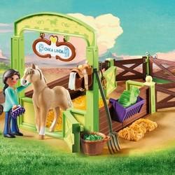 Spirit - Pru & Chica Linda Horse Box
