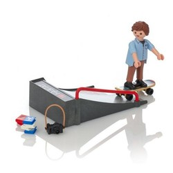 Special Plus - Skateboarder with Ramp