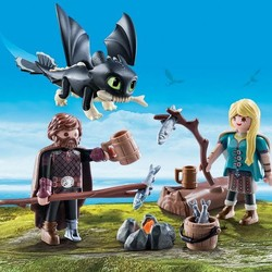 Dragons - Hiccup and Astrid with Baby Dragon