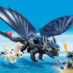 Dragons - Hiccup and Toothless with Baby Dragon