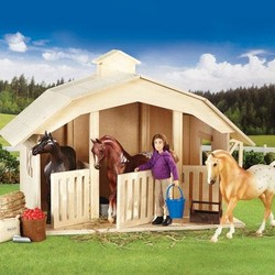 Breyer Classic - West Wind Stable