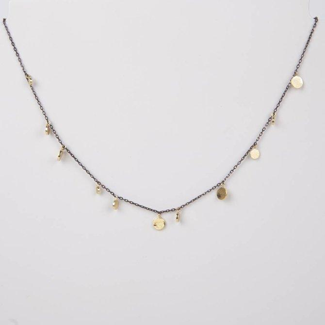 19-73196 Collar negro con monedas doradas