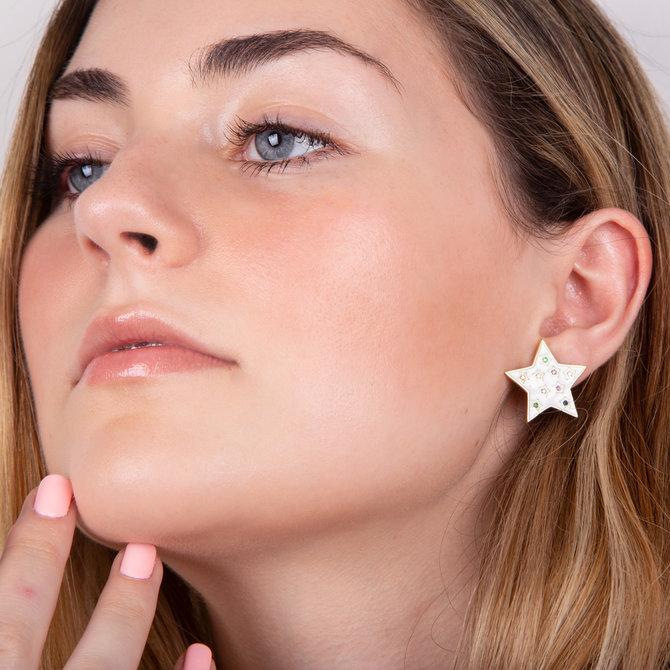 Studs Enamel Estrellas con Zirconias Plateado